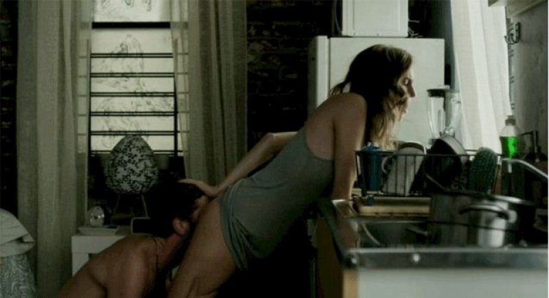 Allison Williams Made Her Butt Smell Like Cake-15 Awkward Sex Scene Stories As Told By Actors