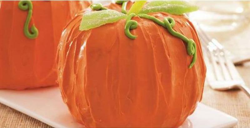 Pumpkin Bundt Cake-15 Funniest Halloween Recipe Fails