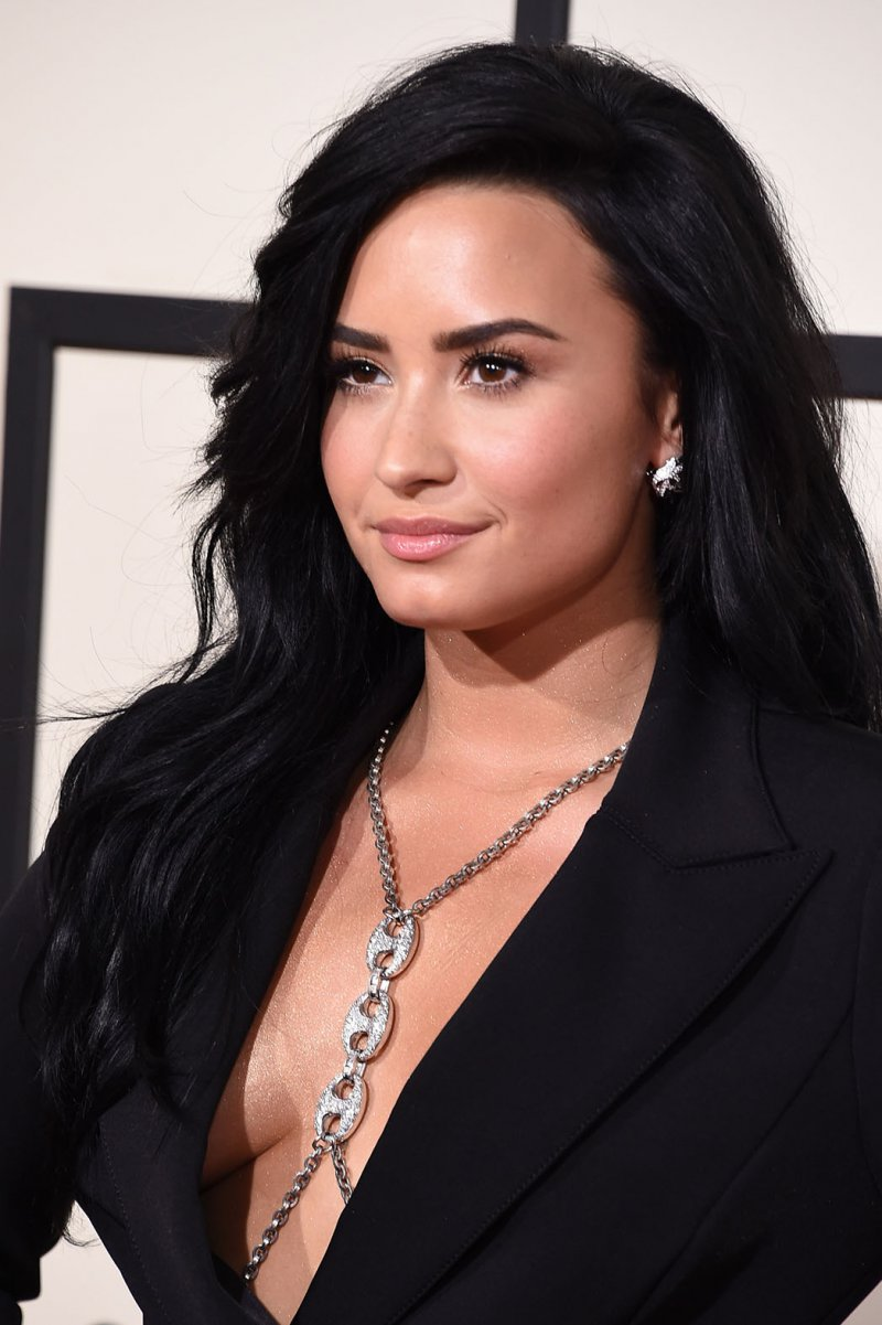 Demi Lovato-15 Popular Disney Channel Stars Then And Now