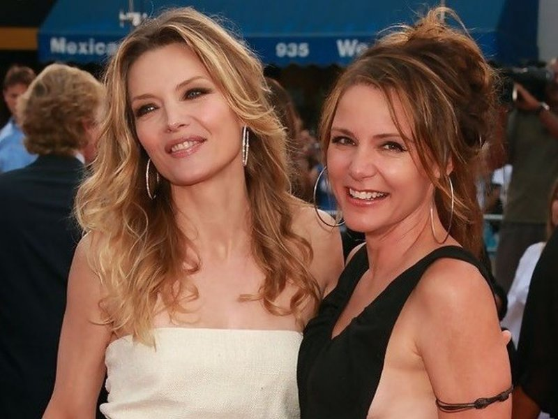 Michelle Pfeiffer-15 Celebrities With Their Better Looking Siblings