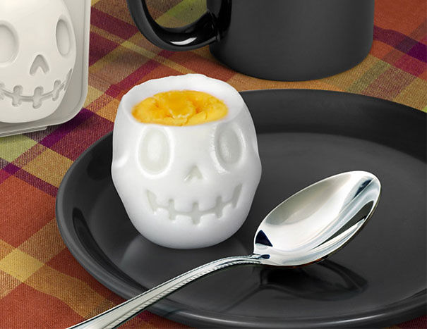 This Monster Egg Mould-15 Perfect Gift Ideas For Food Lovers