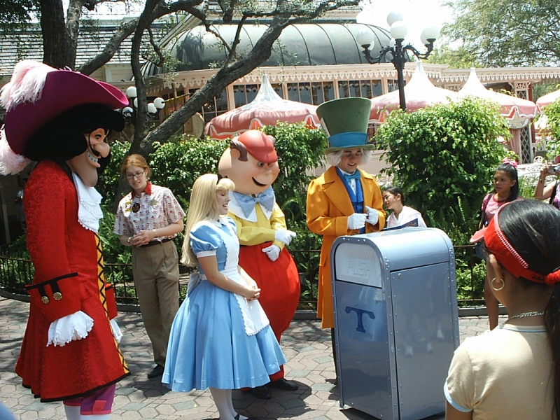Even the Disney Princesses Pick up the Trash, in Style-15 Disney Secret Employee Rules You Don't Know