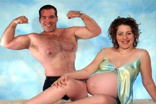 Pregnancy Glamour Shots-15 Most Disturbing And Stupid Pregnancy Photos Ever