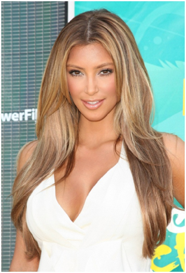 Kim Kardashian-Celebrities Who Are Twitter Addicts