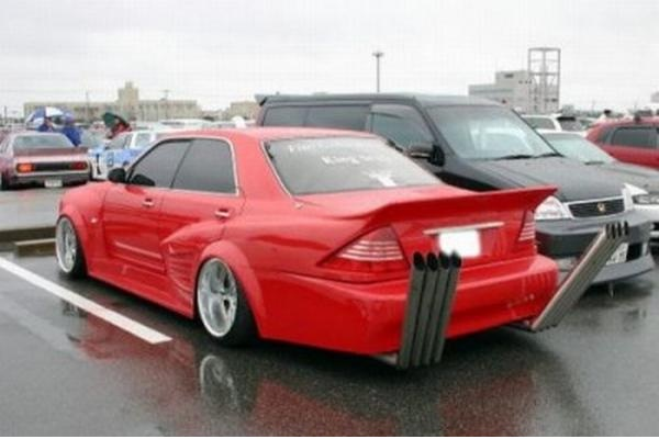 How many exhausts?-Car Modification Fails