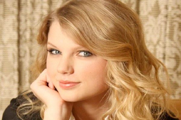 Taylor Swift-Celebs Who Didn't Get A Degree