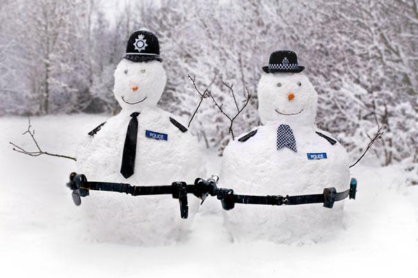 Snowmen police-Craziest Snowmen Ever