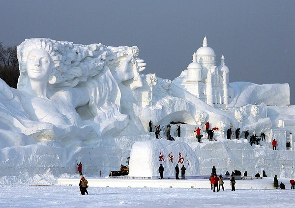 Beautiful-Most Amazing Snow Sculptures