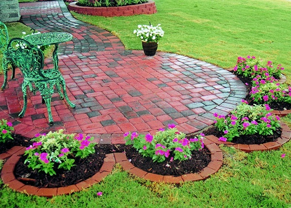 Landscaping-Best Paying Side Jobs For Quick Money