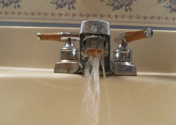 Grubby taps-Pictures That Will Make You Crazy If You Have OCD