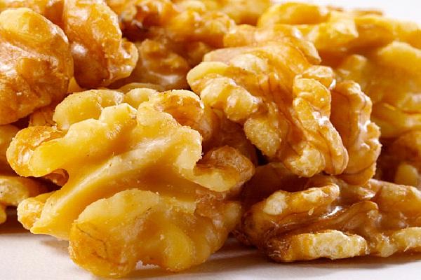 Walnuts-Foods That Make You Sleepy