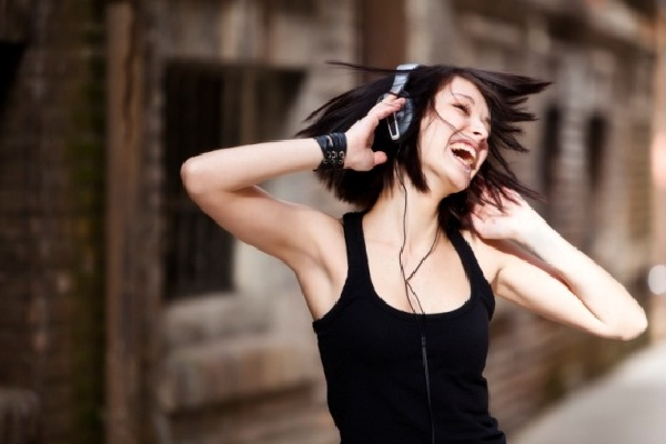 It makes you happy-Psychological Effects Of Music On The Brain