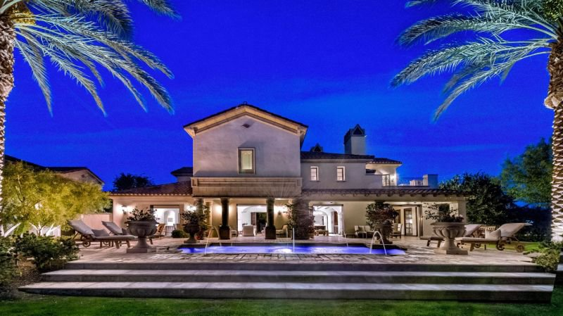 Sylvester Stallone-15 Amazing Celebrity Houses That Are Worth Millions