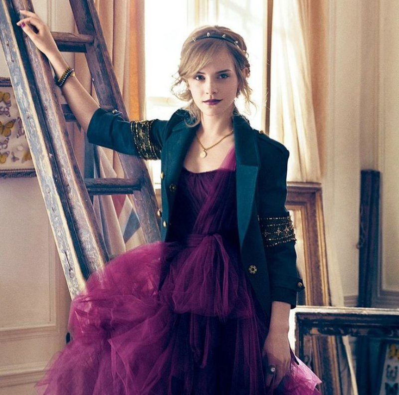 She Has an Impeccable Sense of Fashion -15 Reasons Why Emma Watson Is The Perfect Beauty With Brain Girl