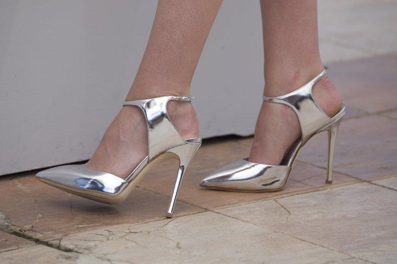 Kristen Stewart's Legs And Feet-23 Sexiest Celebrity Legs And Feet