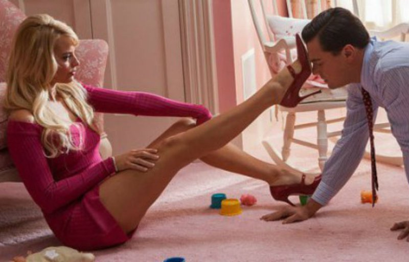 Margot Robbie Pushed Leonardo Dicaprio Away-15 Awkward Sex Scene Stories As Told By Actors