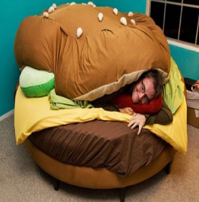 Burger bed sheet-15 Most Insane Bed Sheets That Will Make You Say WTF!