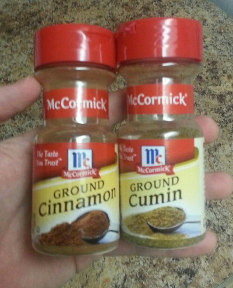 Identical Spice Containers-15 Terrible Accidents Waiting To Happen
