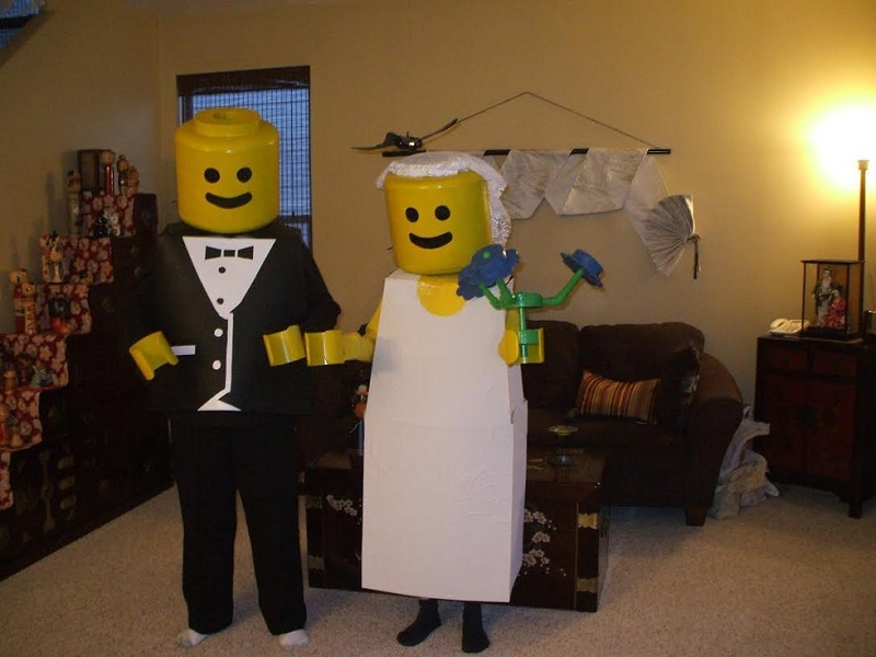 LEGO Man Costume-Fifteen Halloween Couple Costumes That Are Super Amazing