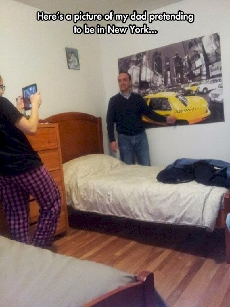 Pretending to be in New York-15 Times Parents Showed Their Inner Child