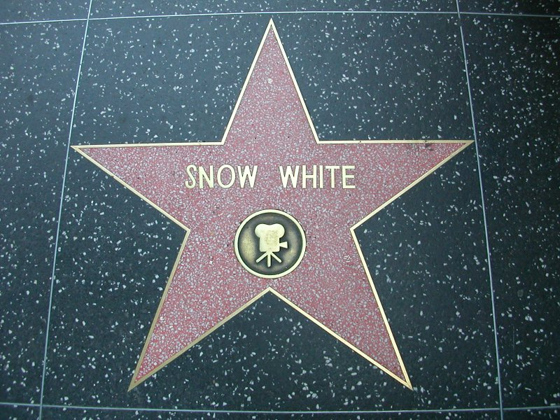 Snow White is the Only Princess to Receive a Star on the Hollywood Walk of Fame-15 Interesting Things About Disney Princesses You Never Noticed