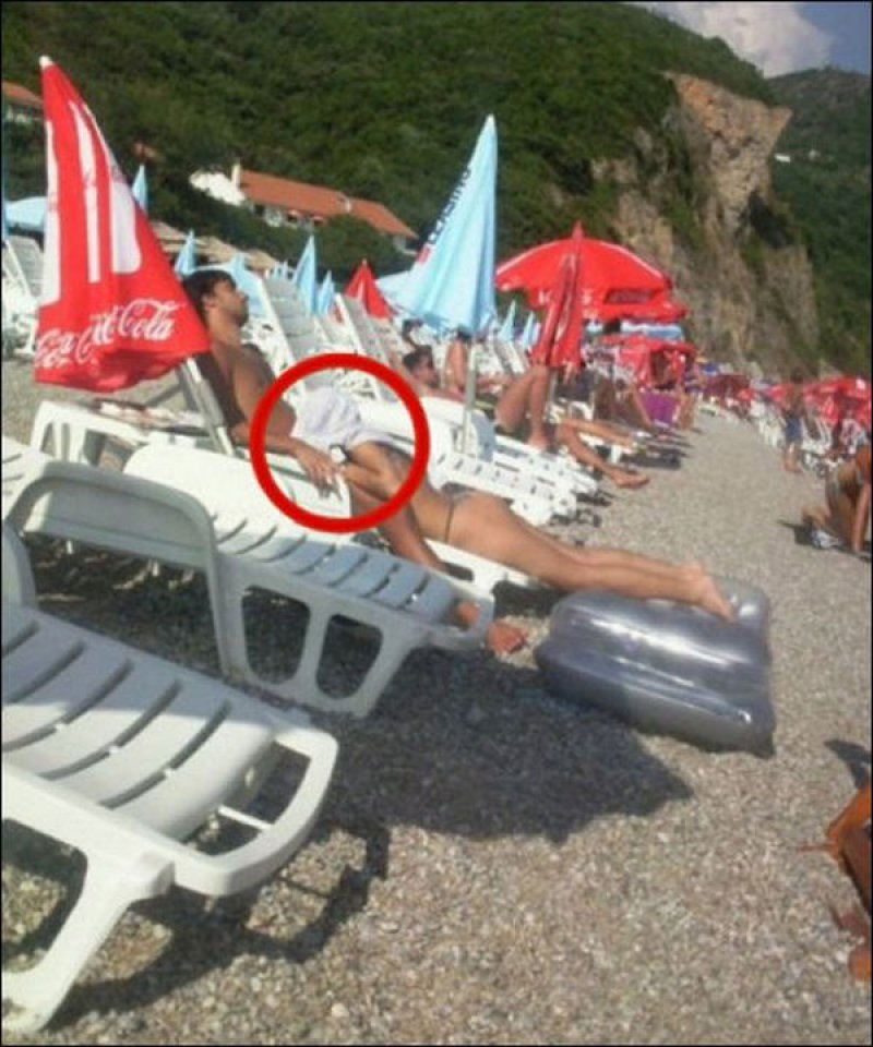 Raunchy yet Embarrassing Moments-15 Most Embarrassing Photos Ever Taken At Beach