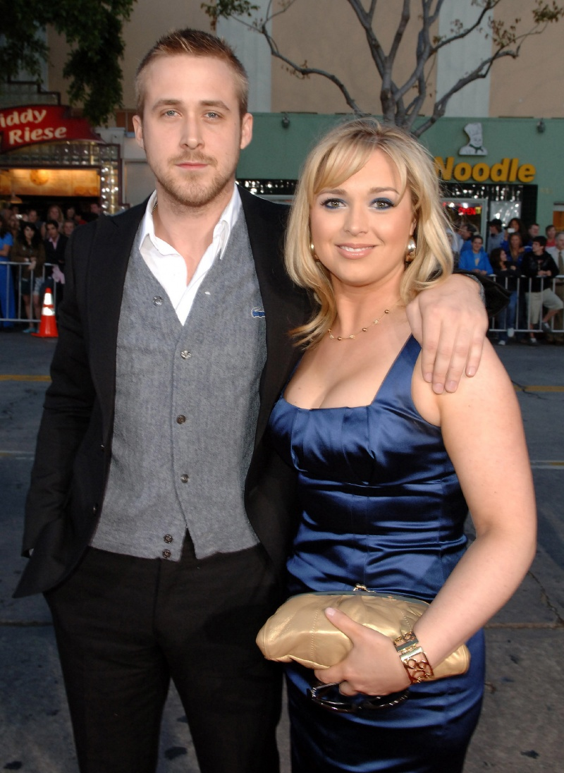 Mandi Gosling-15 Celebrities With Their Better Looking Siblings