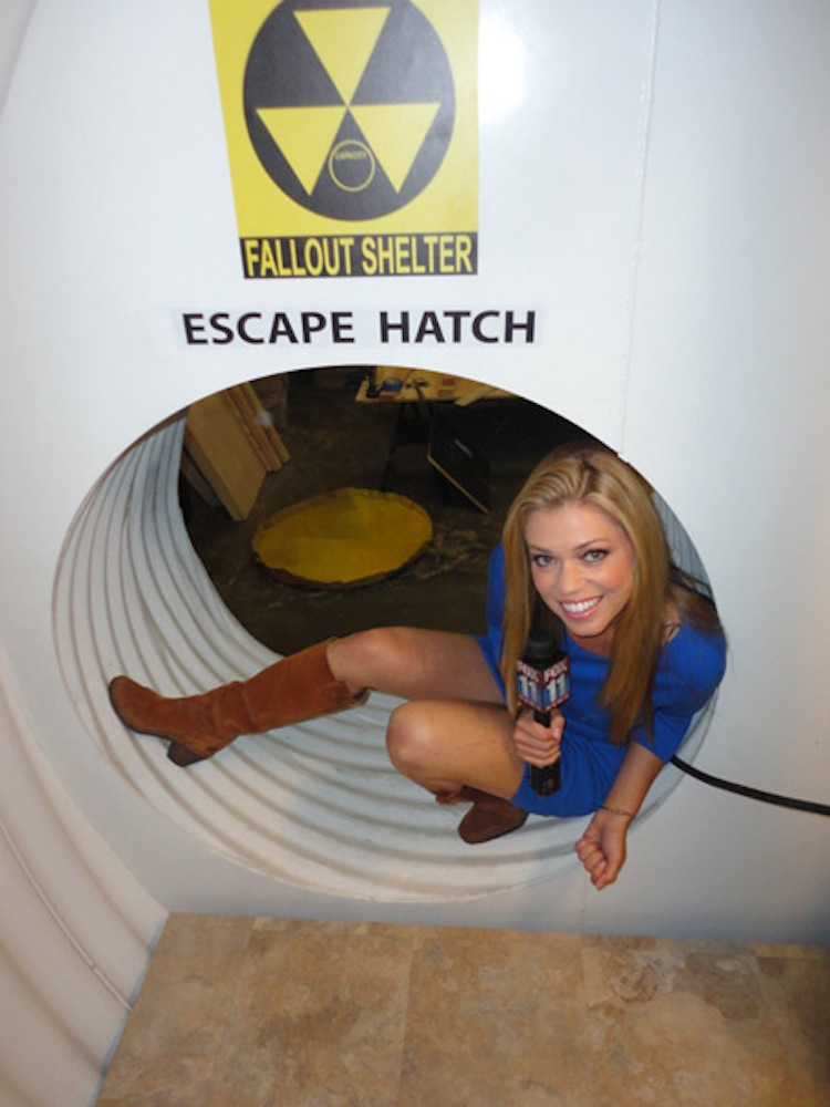 An Escape Hatch-Awesome House Built In An Underground Pothole