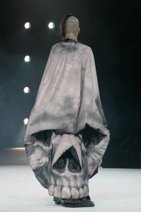 A skull?-Most Insane Dresses Ever