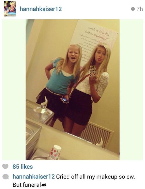 Bad looks-Worst Funeral Selfies Ever