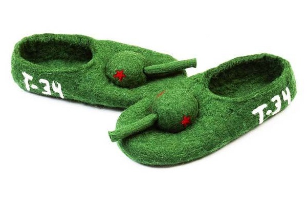 Chinese tanks-12 Craziest Slippers You'll Ever See