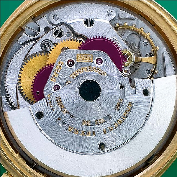 The movement-How To Spot A Fake Rolex