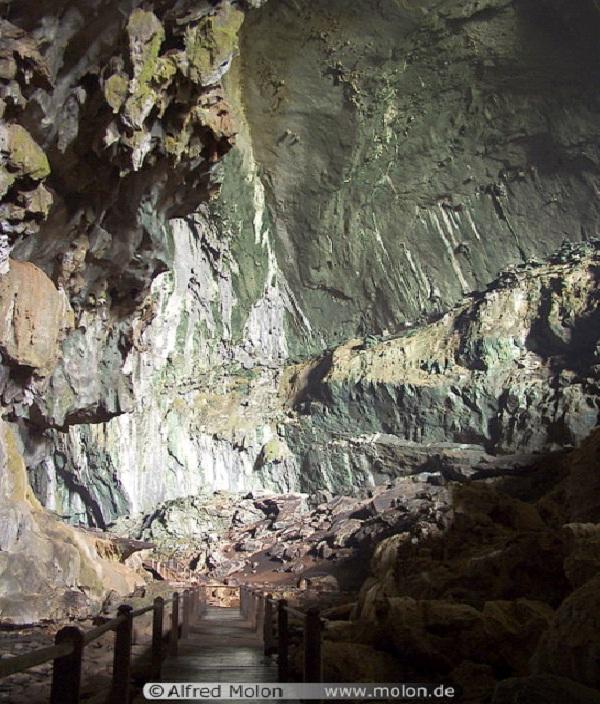 Sarawak Chamber - Malaysia-Beautiful Caves Around The World