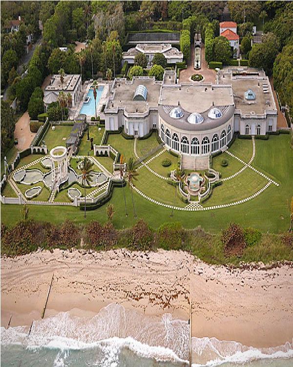 Maison de L'Amitie-Amazing Mansions
