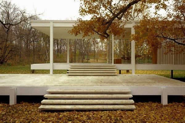 The Farnsworth House-Amazing Glass Houses
