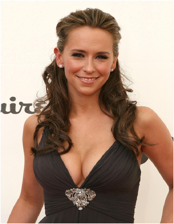 Jennifer Love Hewitt-Toothpaste trick-12 Disgusting Celebrity Habits You Probably Don't Know About