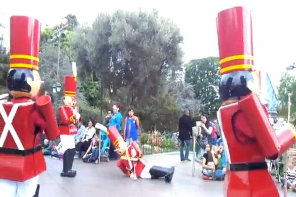 Drunk soldier-Disneyland Fails