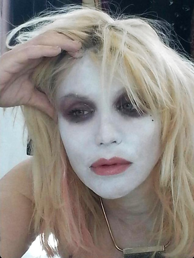 Courtney Love-Bizarre Celebrity Selfies