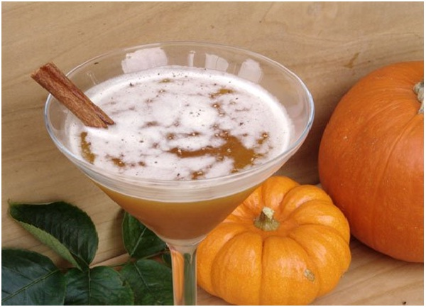 The Jack-O-Lantern Cocktail-Delicious Halloween Recipes
