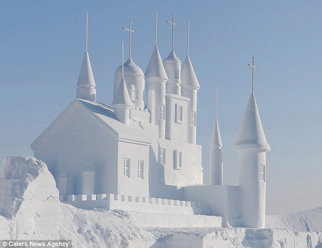The palace-Most Amazing Snow Sculptures