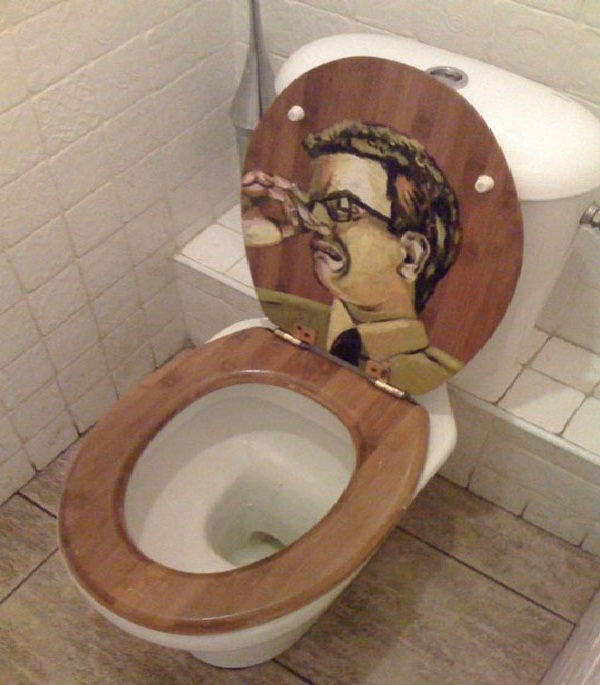 Nose holder-Amazing Toilet Seats