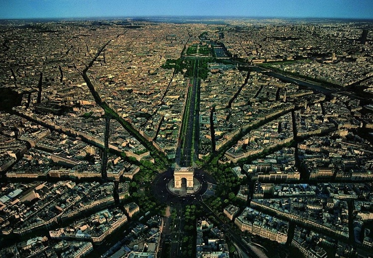 Paris-How Our World Appears To A Bird