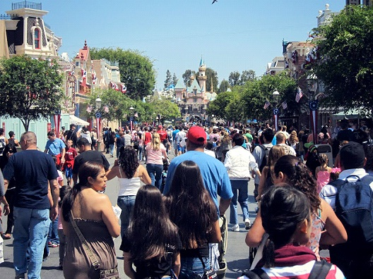 Crowds-Most Hated Things About Disneyland