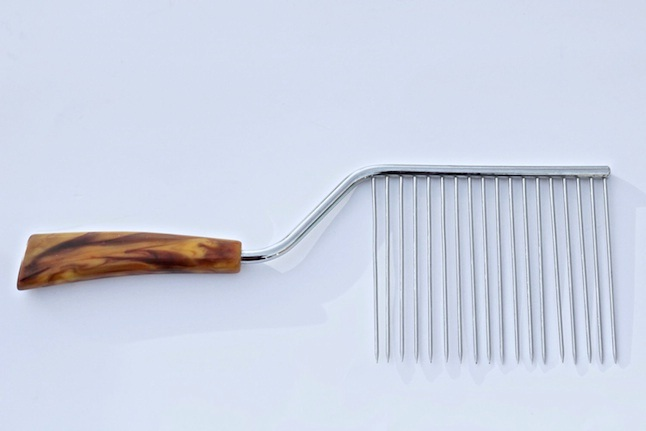 A comb?-Weirdest Eating Utensils