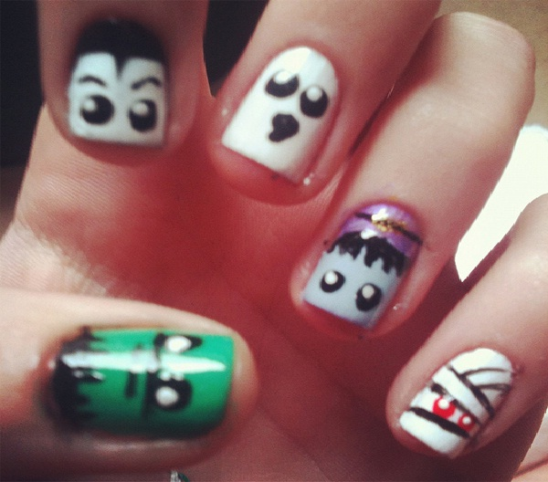 Ghost faces-Halloween Nail Art