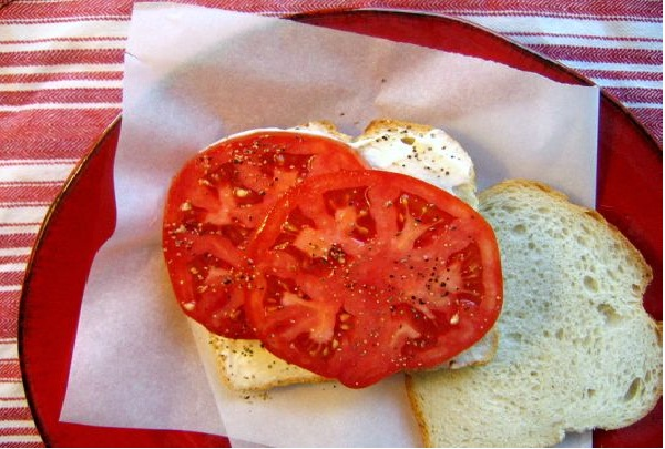 Tomato-Things You Don't Know About Justin Bieber