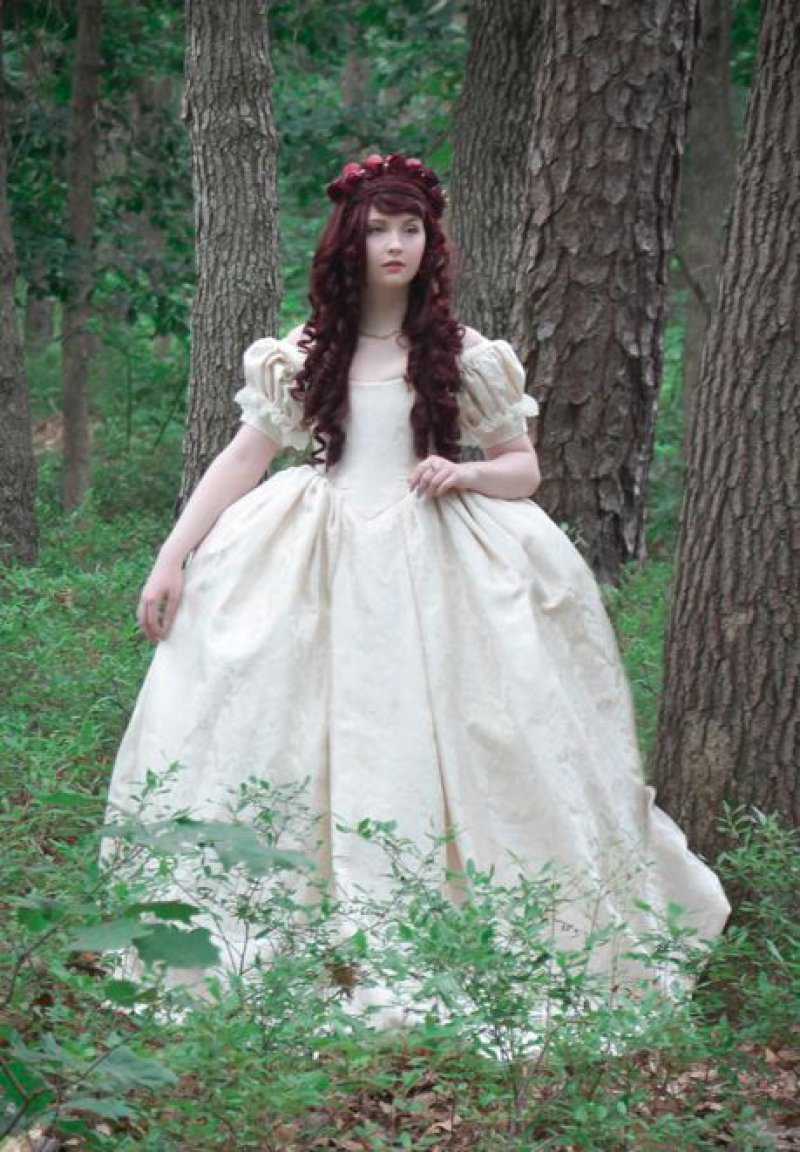 A Dress Made Based on 18th Century Fashion-Meet The Girl Who Sews Her Own Cosplay Dresses