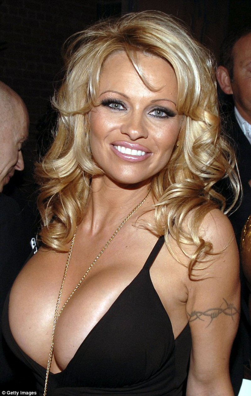 Pamela Anderson-12 Celebrities You Didn't Know Are Rape Victims