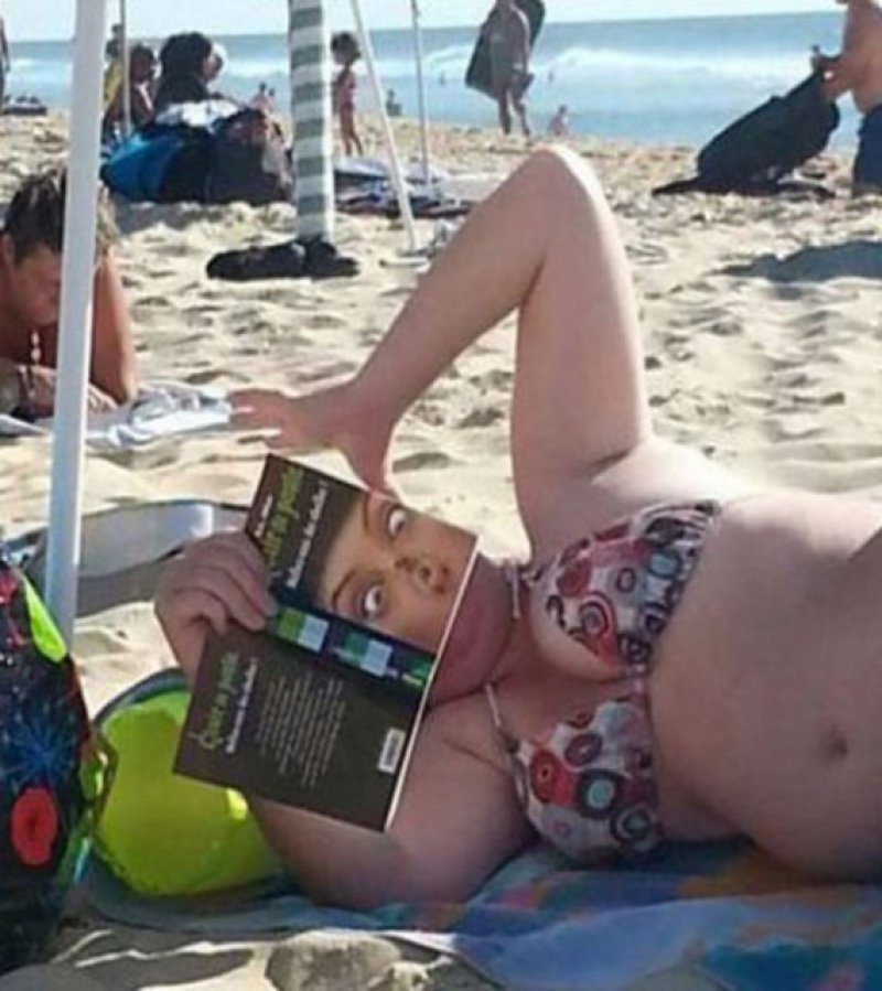 This Crazy Photo-18 Hilarious Beach Fails That Will Make You Laugh Out Loud