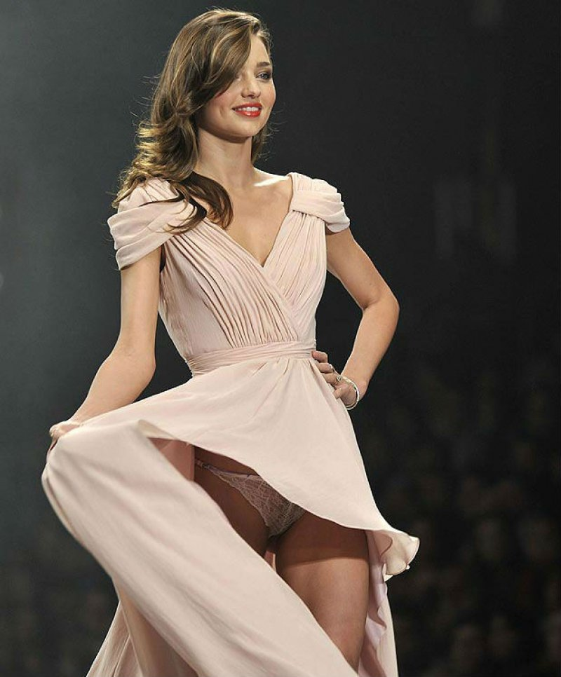 Miranda Kerr Shows More than Expected-Top 15 Worst Celebrity Wardrobe Malfunctions